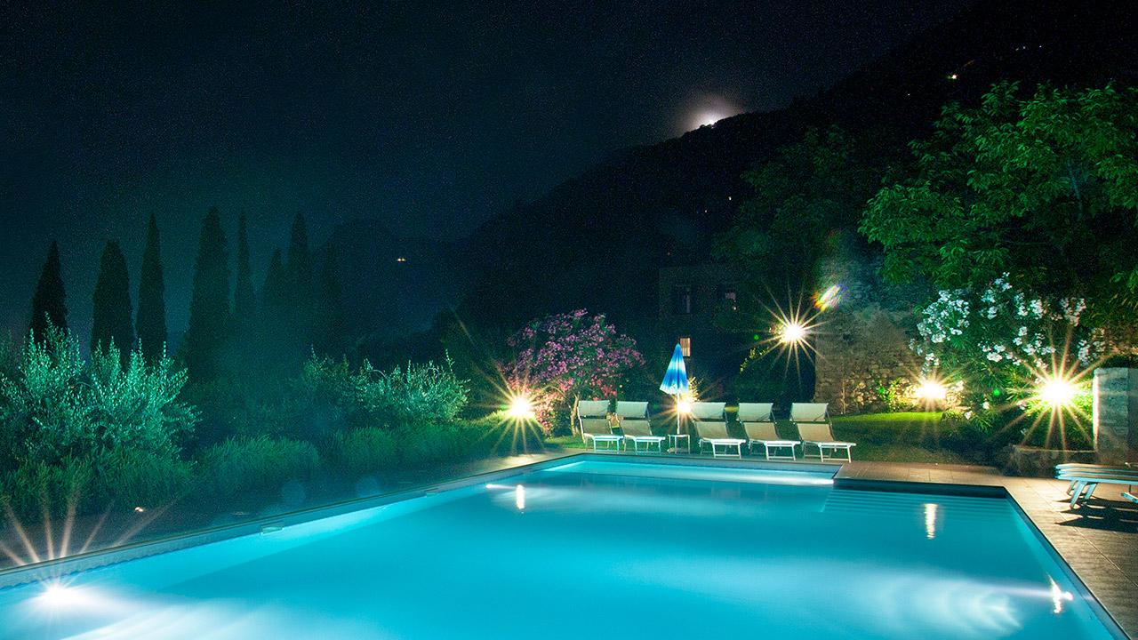 La Piscina Di Resort Fondo La Campagnola